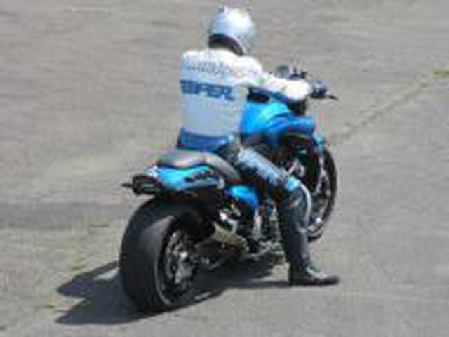画像: ESPER RACING VMAXのチューニングなら当店にお任せください>