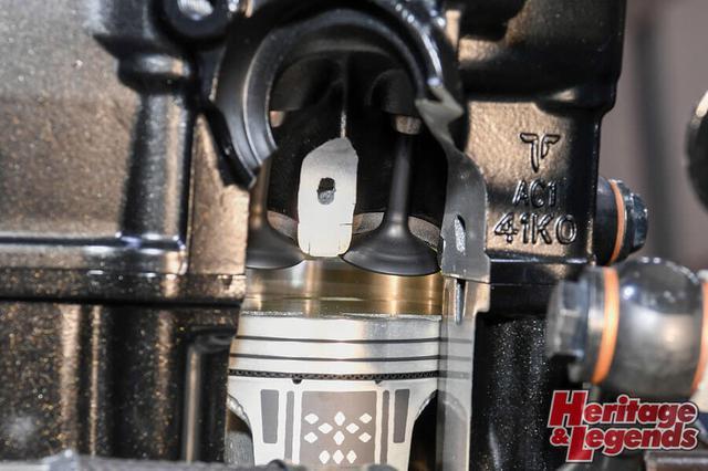 画像: ▲2019年に開かれた東京モーターショーのスズキブースに展示されたGIXXER250/SF250用250cc新型油冷エンジンのカットモデル。