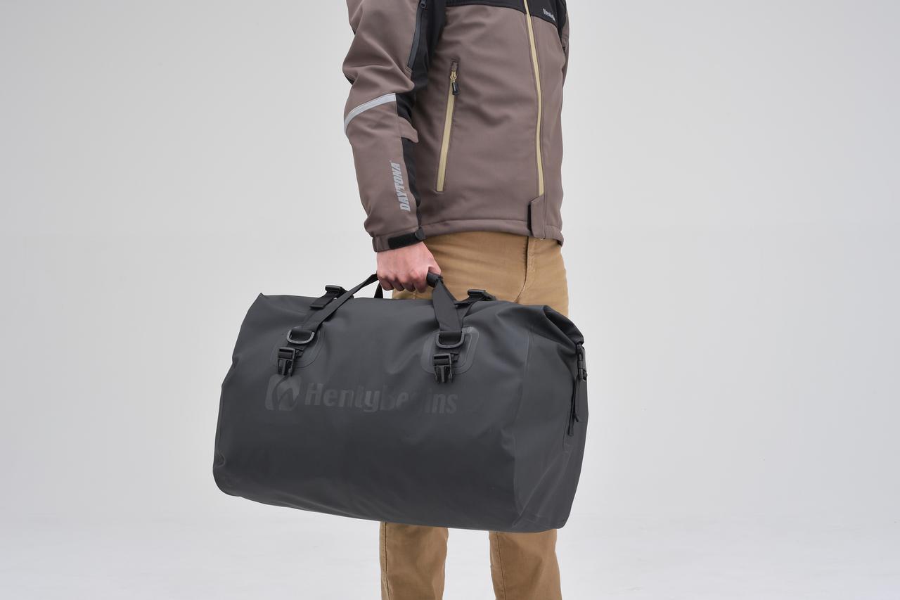 画像9: お手頃価格の防水バッグパックとシートバッグがヘンリービギンズから登場! バイクで使うのにちょうどいいサイズ感と容量が魅力