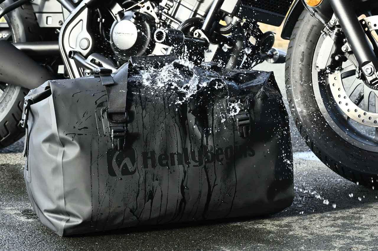 画像2: バッグ開発に力を入れているヘンリービギンズの新作防水モデル