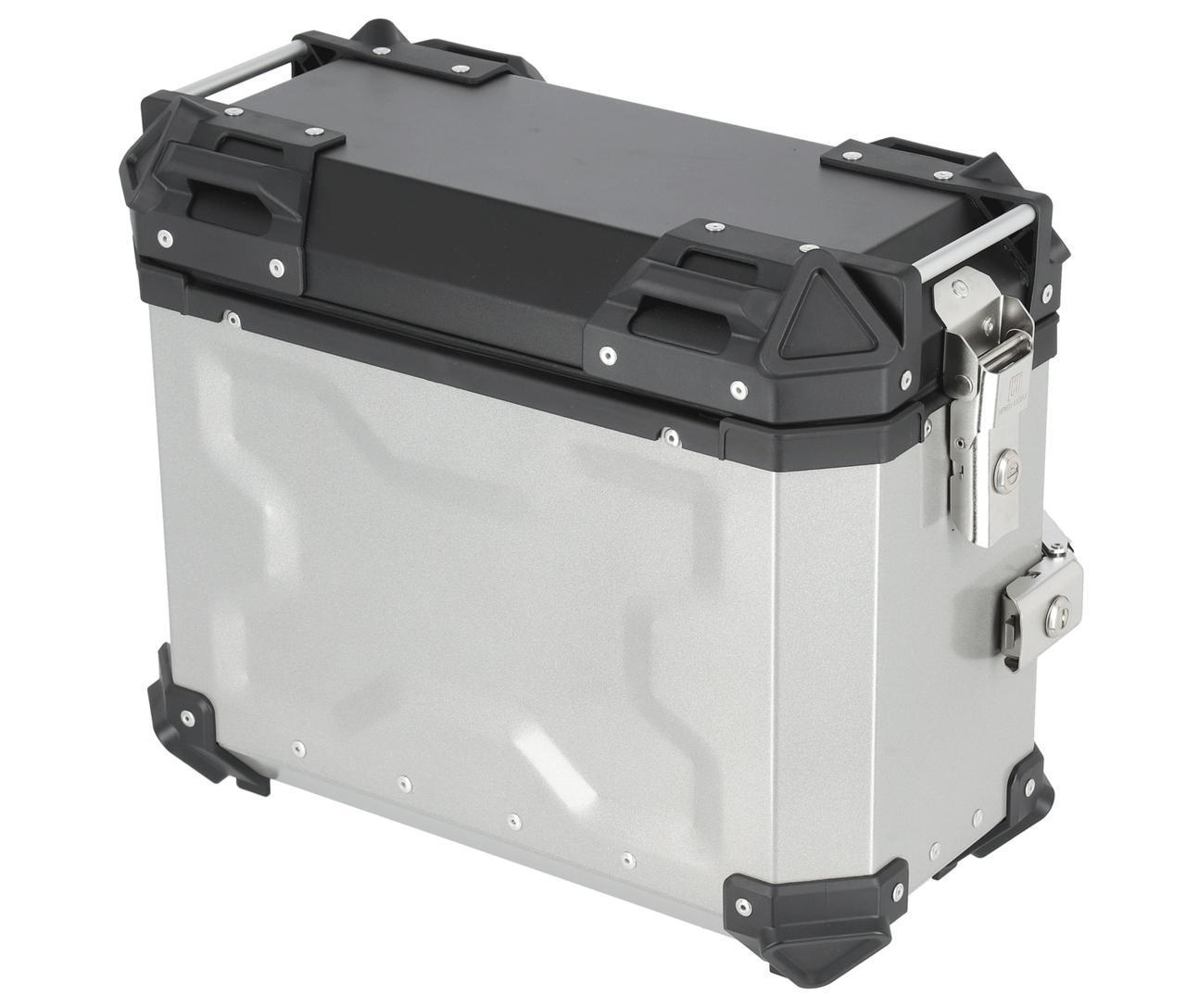 画像: HARD WORX パニアケース HXS38 38L 税込価格:3万4650円 カラー:シルバー、ブラック 容量:38L 外寸:460×230×380mm 重量:5.75kg 付属品:鍵×2本、リフレクター×2枚 ※ベースプレートは車両車種専用のベースプレートを使って取り付けます。 ※ハードワークスパニアケース用ベースプレートは現在、スズキ Vストローム250用がラインナップされています。