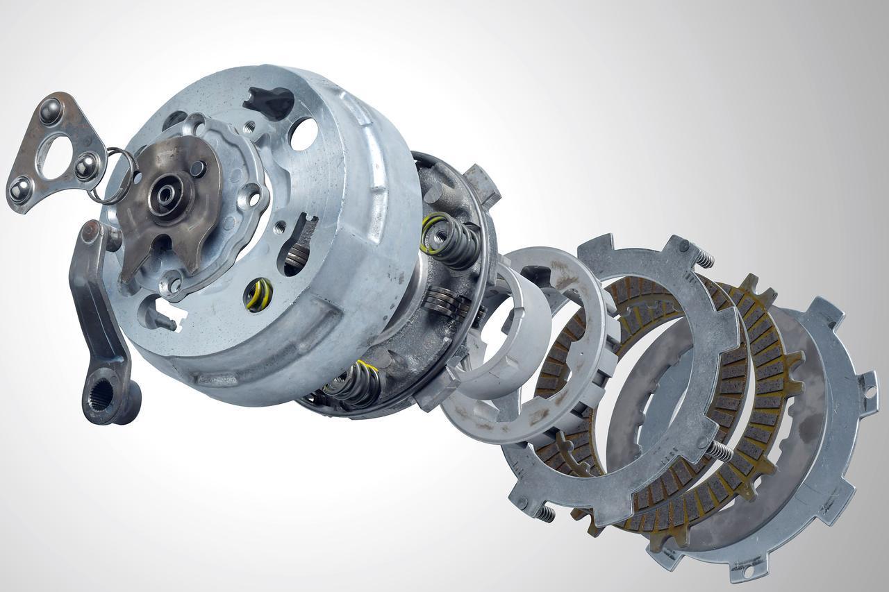 画像: スーパーカブ最大の特長といえば自動遠心クラッチ。その仕組みを解説するのだ。 - webオートバイ