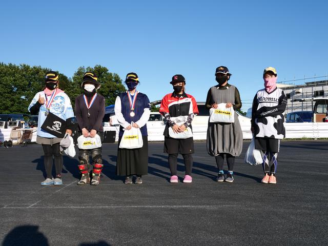 画像: ●レディス総合入賞者 左から1位・伊藤華子選手(C1級)、2位・荒木真美選手(C1級)、3位・本間君枝選手(C1級)、4位・山田 翼選手(C1級)、5位・中嶋ちはる選手(C1級)、6位・吉竹智美選手(C1級)