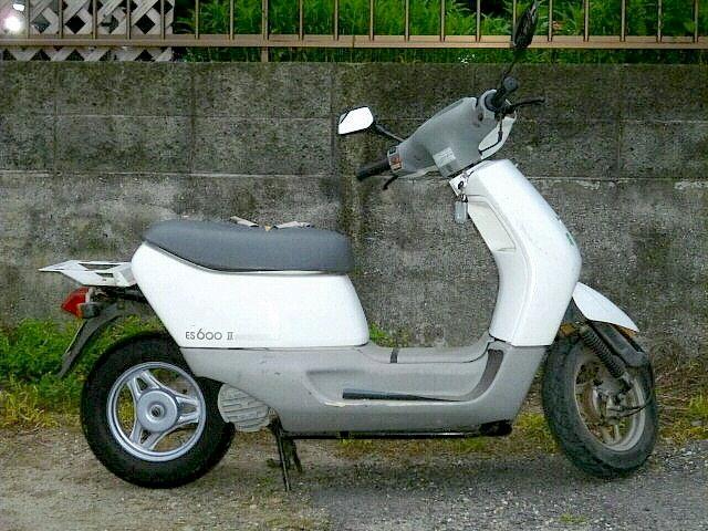 画像: こちらは後期型のヤマテES600Ⅱです。 commons.wikimedia.org