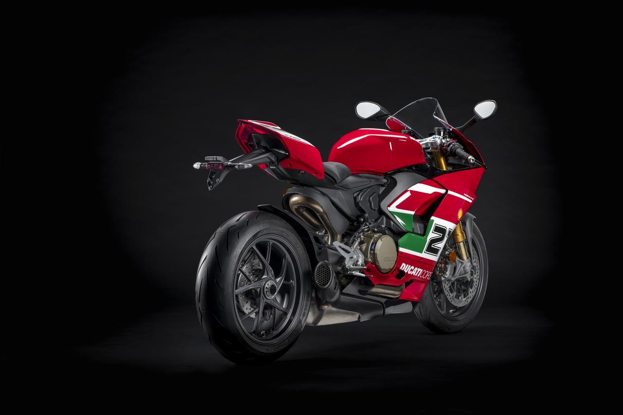 画像2: ドゥカティ「パニガーレV2 ベイリス1stチャンピオンシップ20周年記念モデル」の特徴