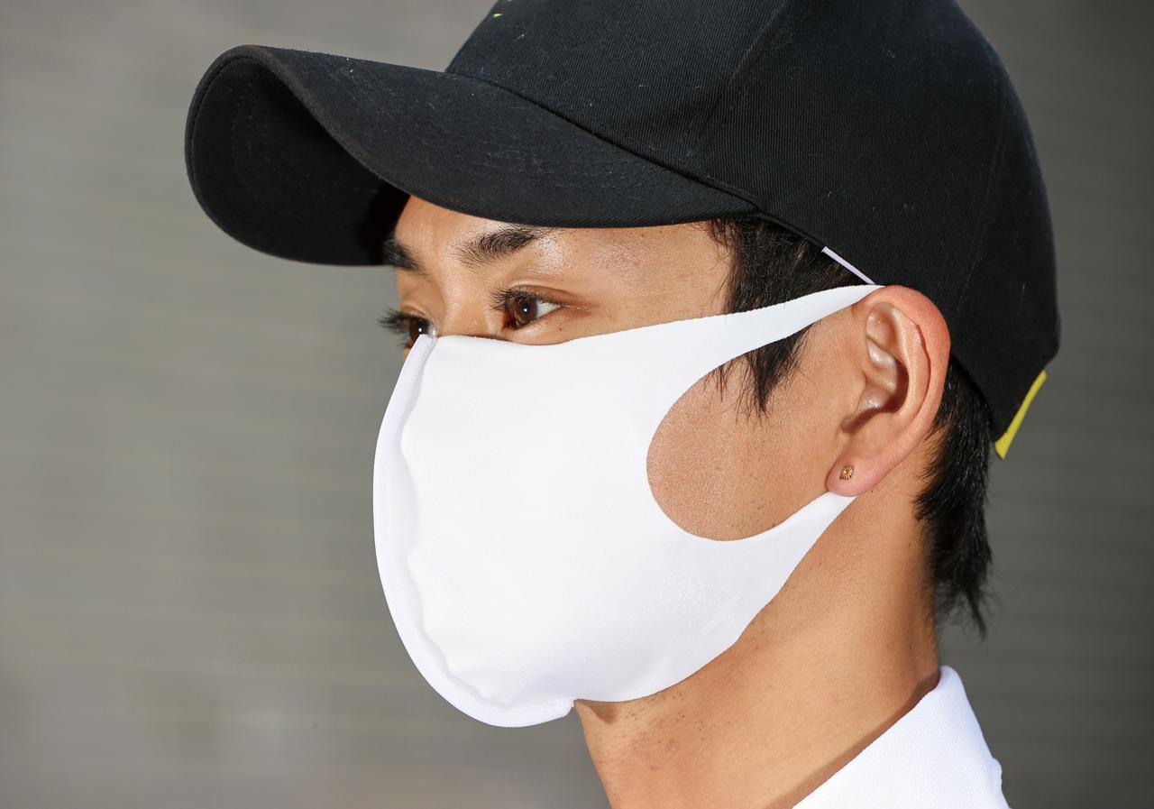 画像: FREEZE TECH/氷撃マスク 税込価格:999円 サイズ:XXS、XS、S、M、L カラー:ホワイト