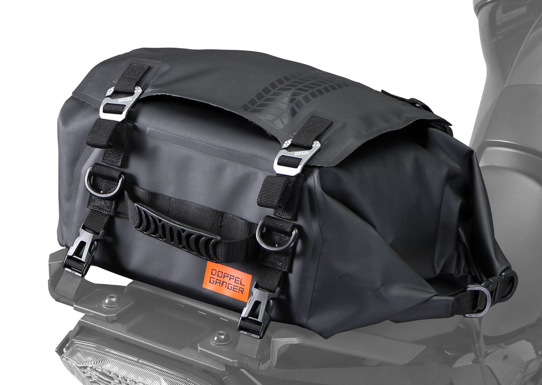 画像: ターポリンシートバッグ デイズ モデル:DBT575-BK 容量:24L 重量:1.4kg 最大積載量:10kg