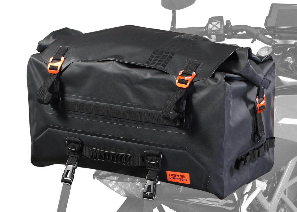 画像: DOPPELGANGER TARPAULIN SEAT BAG TOUR モデル:DBT611-BK 容量:55L サイズ:620×320×360mm 重量(付属品含む):3.75kg 最大積載量:15kg 付属品:固定用ベルト×2SET、ショルダーベルト×1、インナーボックス×1 価格:オープン