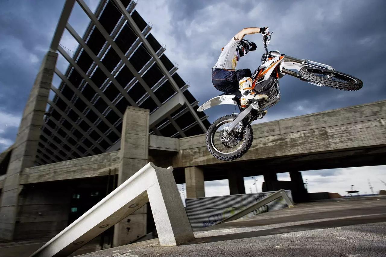 画像: 世界の電動2輪車図鑑16: KTM FREERIDE E - LAWRENCE - Motorcycle x Cars + α = Your Life.
