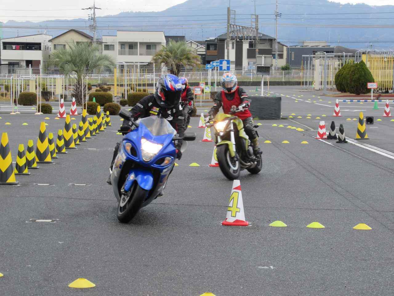 """画像3: 安全に""""バイクを操る楽しさ""""が学べるライディングスクール"""