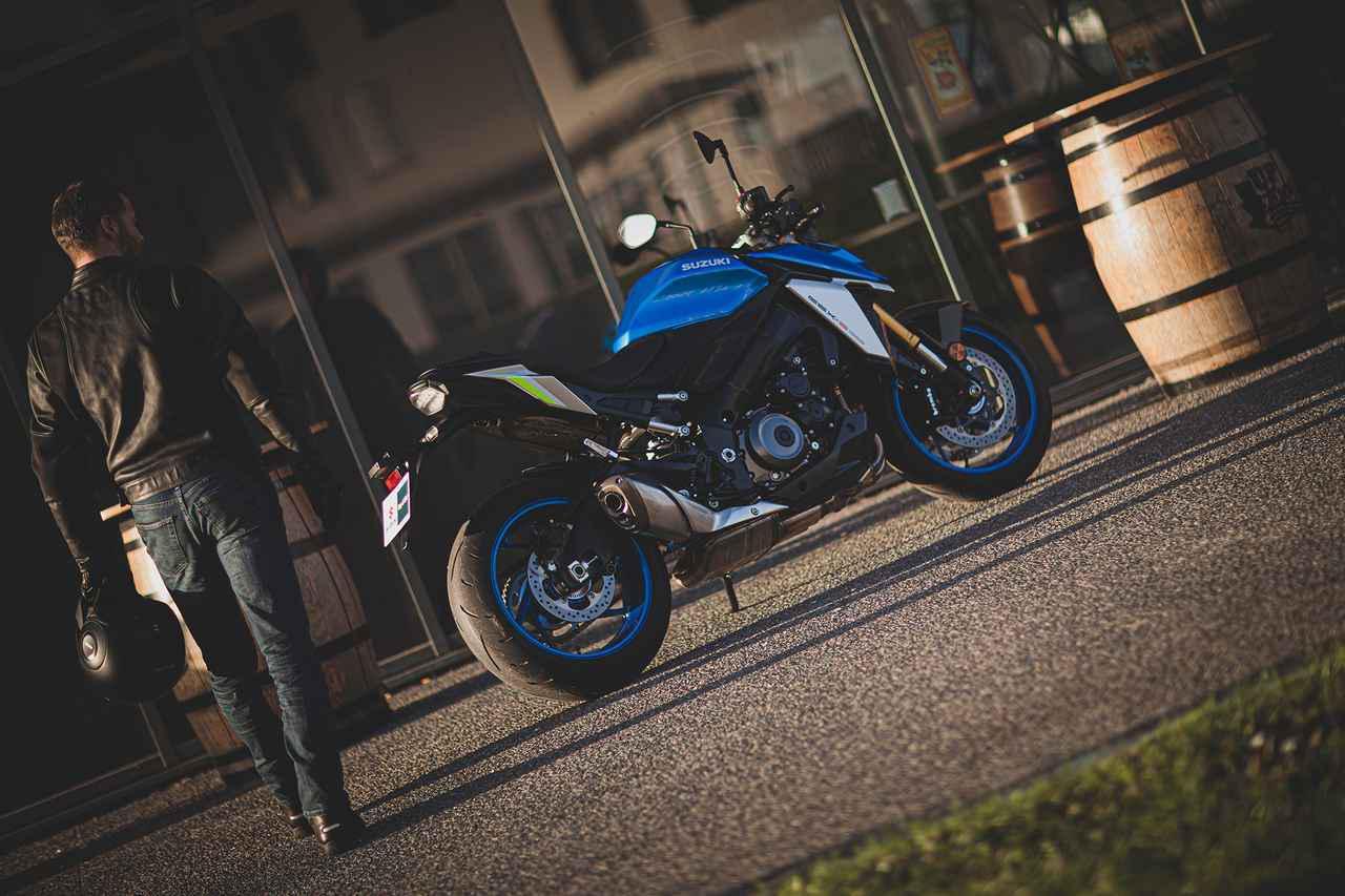画像: 【写真55枚】スズキ新型「GSX-S1000」のイメージ写真と走行写真 - webオートバイ