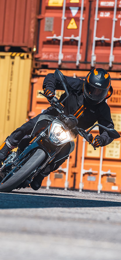 Images : 1番目の画像 - 【写真20枚】KTM「250 デューク」 - webオートバイ