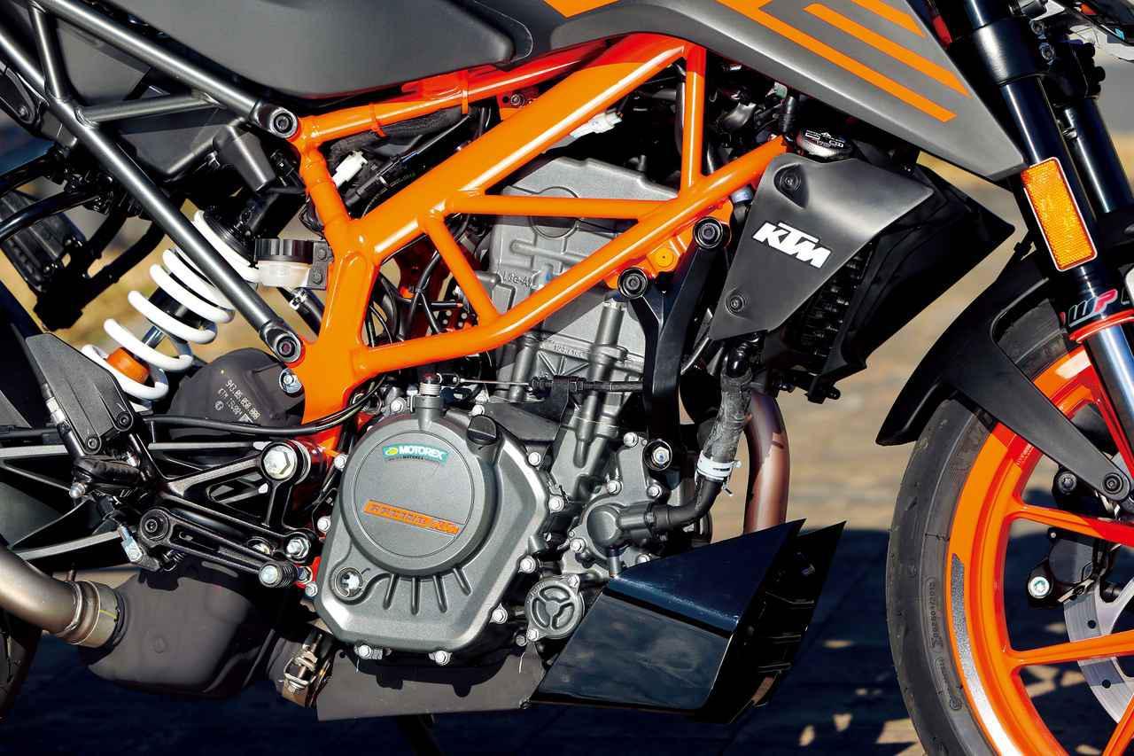 画像: 爽快な加速をみせる水冷DOHC4バルブ単気筒エンジンは中域から力強さが増す出力特性。