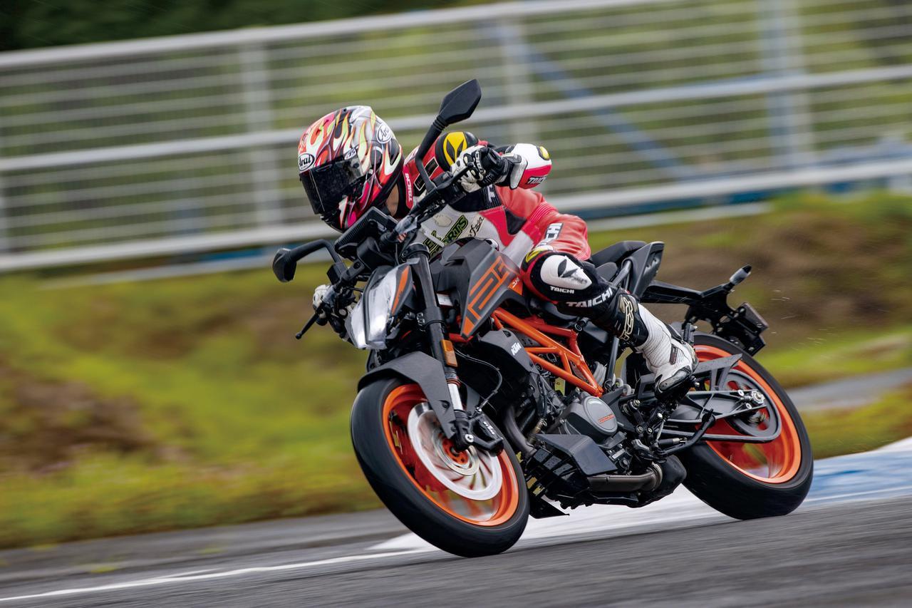 画像1: KTM「125 DUKE」サーキットインプレ(福田充徳)