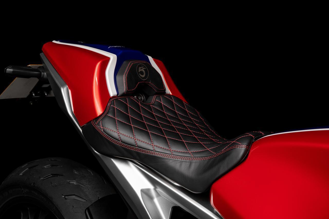 画像2: ホンダが英国で「CB1000R 5Four」を発表! ホンダUK&5Fourモーターサイクルズが再び造り上げたスペシャルモデル