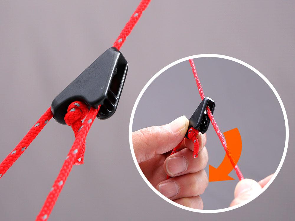 画像: ストームロープにはリフレクターを織り込んだカラードロープが採用され、専用の自在金具で簡単にロープのテンションを調節することが可能。