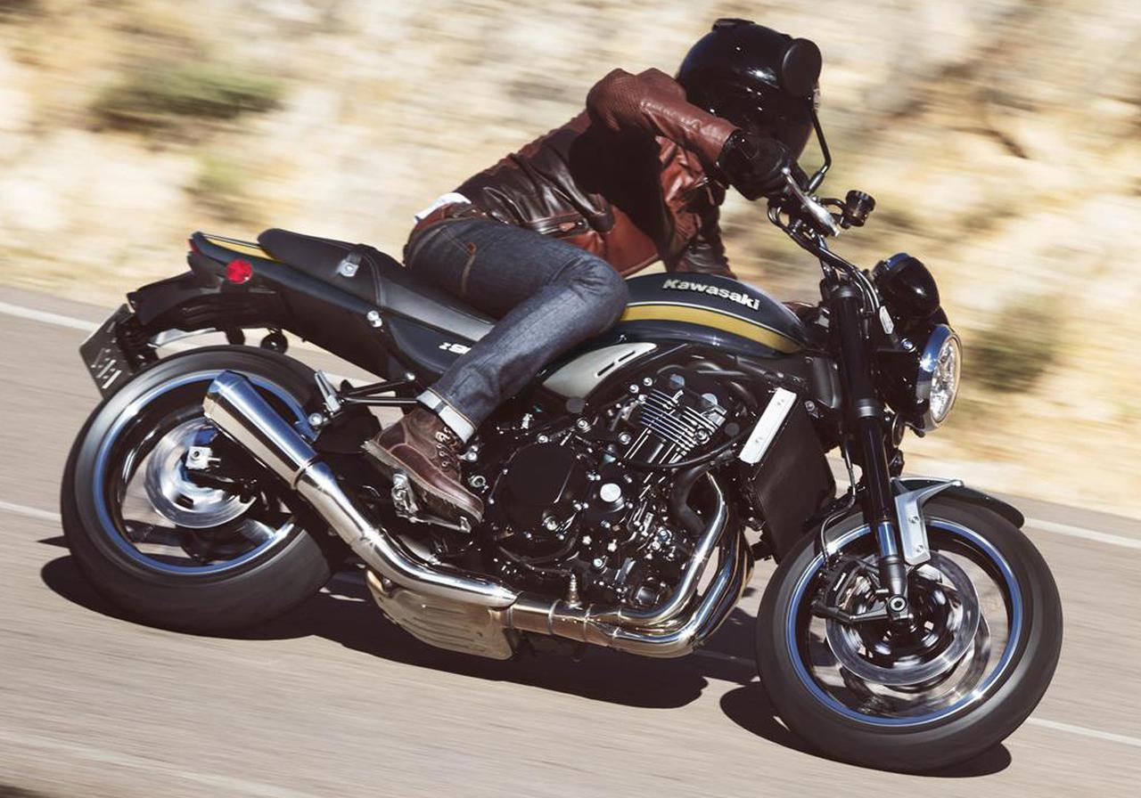 画像: Kawasaki Z900RS 海外仕様・2022年モデル 総排気量:948cc エンジン形式:水冷4ストDOHC4バルブ並列4気筒 シート高:835mm 車両重量:215kg