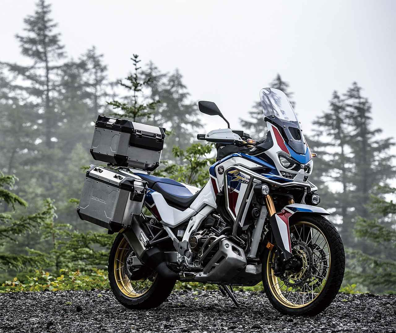 画像: Honda CRF1100L Africa Twin Adventure Sports ES DCT 撮影車両はオプション装着車 総排気量:1082cc エンジン形式:水冷4ストDOHC4バルブ並列2気筒 最高出力:75kW(102PS)/7500rpm 最大トルク:105N・m(10.7kg-m)/6250rpm シート高:810mm/830mm 車両重量:250kg 発売日:2019年12月13日 税込価格:205万7000円