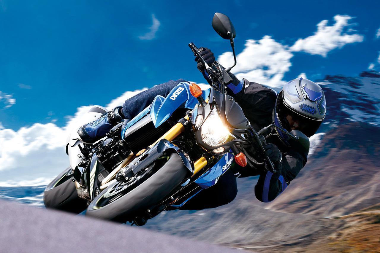 画像: SUZUKI GSX-S750 ABS 総排気量:749cc エンジン形式:水冷4ストDOHC4バルブ並列4気筒 シート高:820mm 車両重量:212kg 税込価格:98万7800円