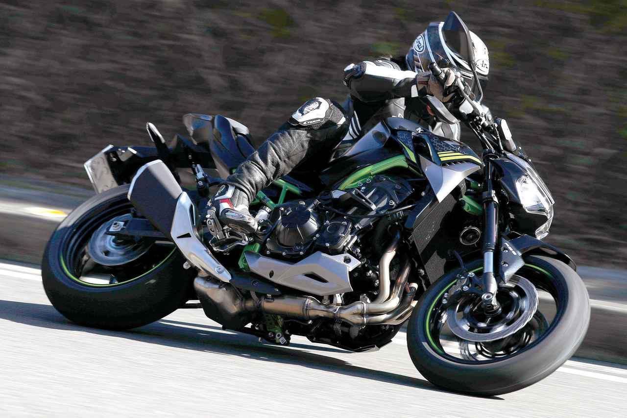 画像: Kawasaki Z900 総排気量:213kg エンジン形式:水冷4ストDOHC4バルブ並列4気筒 シート高:800mm 車両重量:213kg 税込価格:110万円