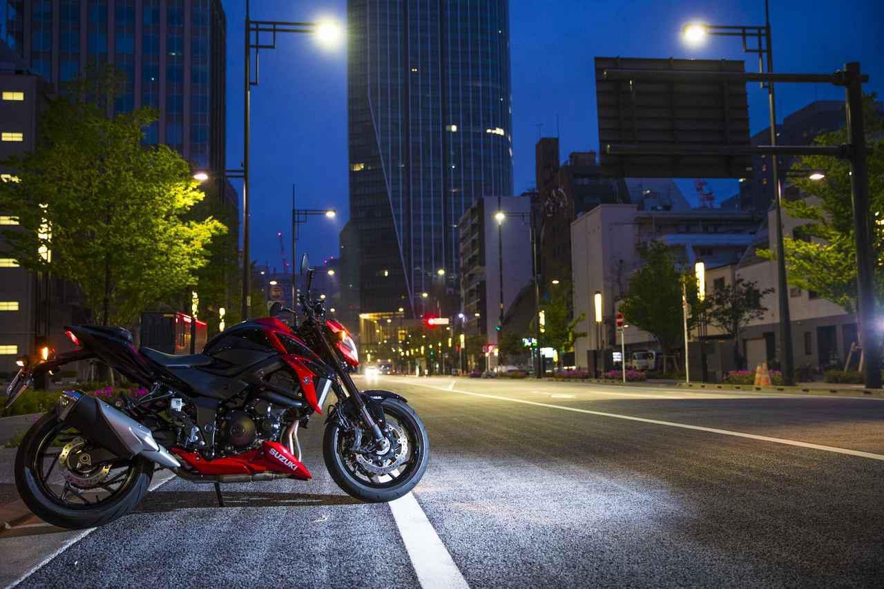 画像: スズキ『GSX-S750』が傑作すぎて忘れられない。1000cc以上の大型バイクよりもおすすめできる理由がある!【SUZUKI GSX-S750/試乗インプレ 前編】