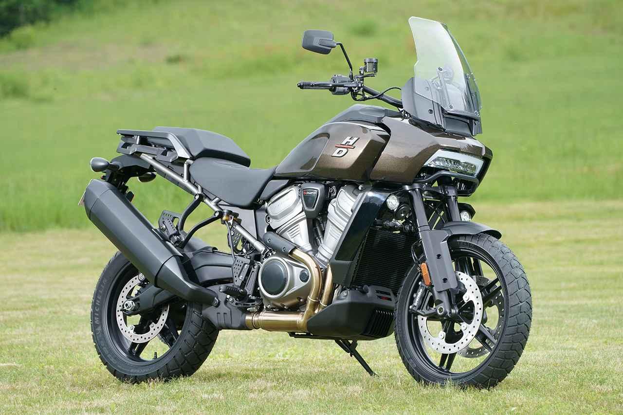 画像: Harley-Davidson PAN AMERICA1250 総排気量:1252cc エンジン形式:水冷4ストDOHC4バルブV型2気筒 最高出力:112kW(152PS)/8750rpm 最大トルク:128N・m(13.05kg-m)/6750rpm シート高:830-873mm 車両重量:245kg/258kg(スペシャル) 税込価格:231万円~(消費税10%込)