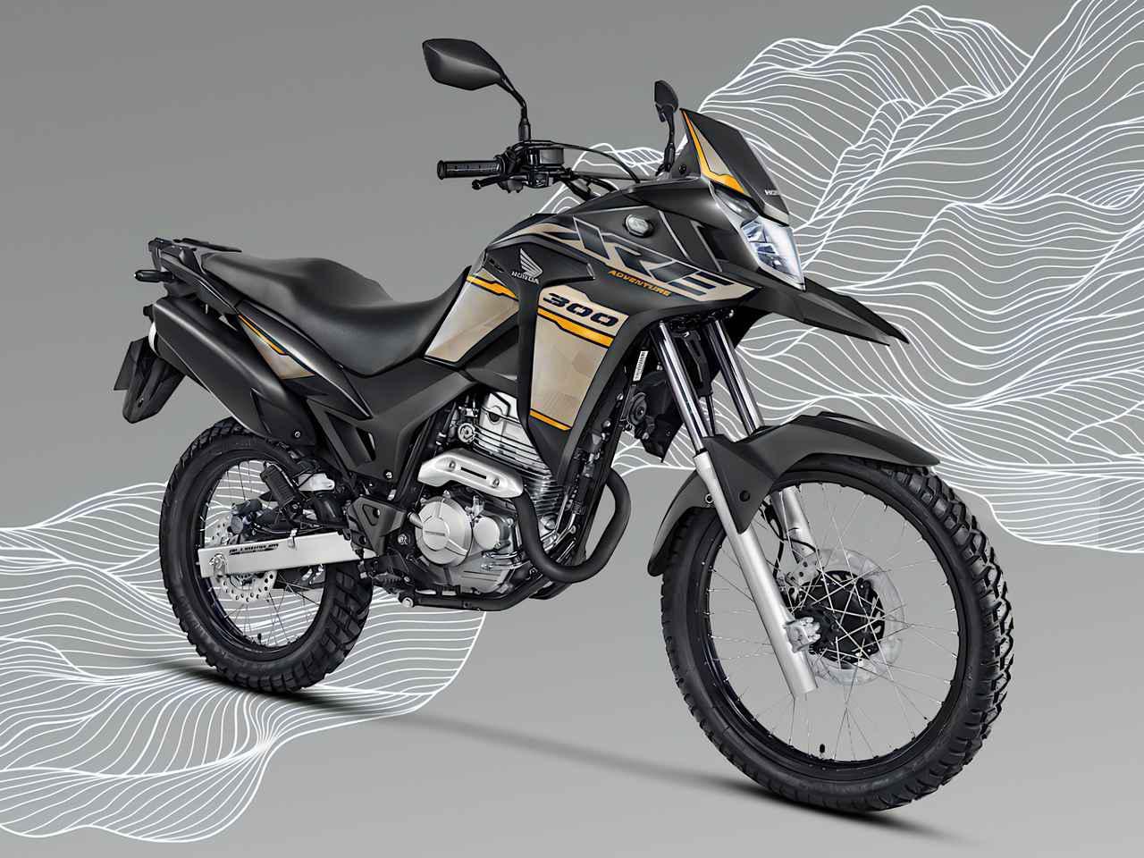 画像: Honda XRE300 写真は、XRE300アドベンチャー 総排気量:291.6cc エンジン形式:空冷4ストDOHC4バルブ単気筒 シート高:860mm 車両重量:148kg