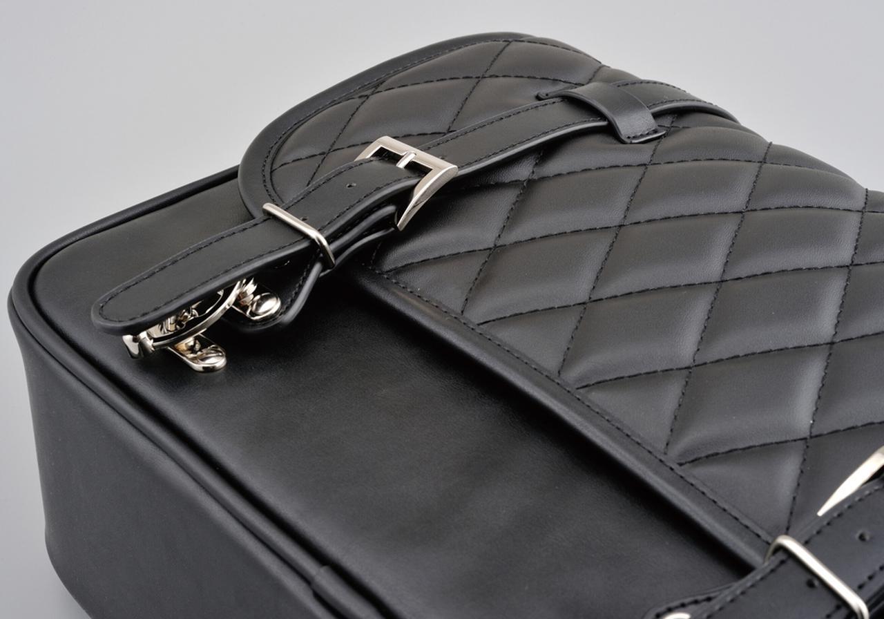 画像: 生地の質感、糸の色、金具の形状といったこだわりがバッグの個性と高級感を演出します。