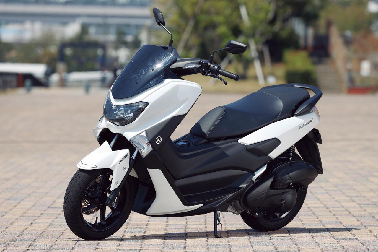 画像: ヤマハの125ccスクーター「NMAX」には「TMAX」と通ずる部分がちゃんとある?【太田安治の原付二種インプレ&解説】 - webオートバイ