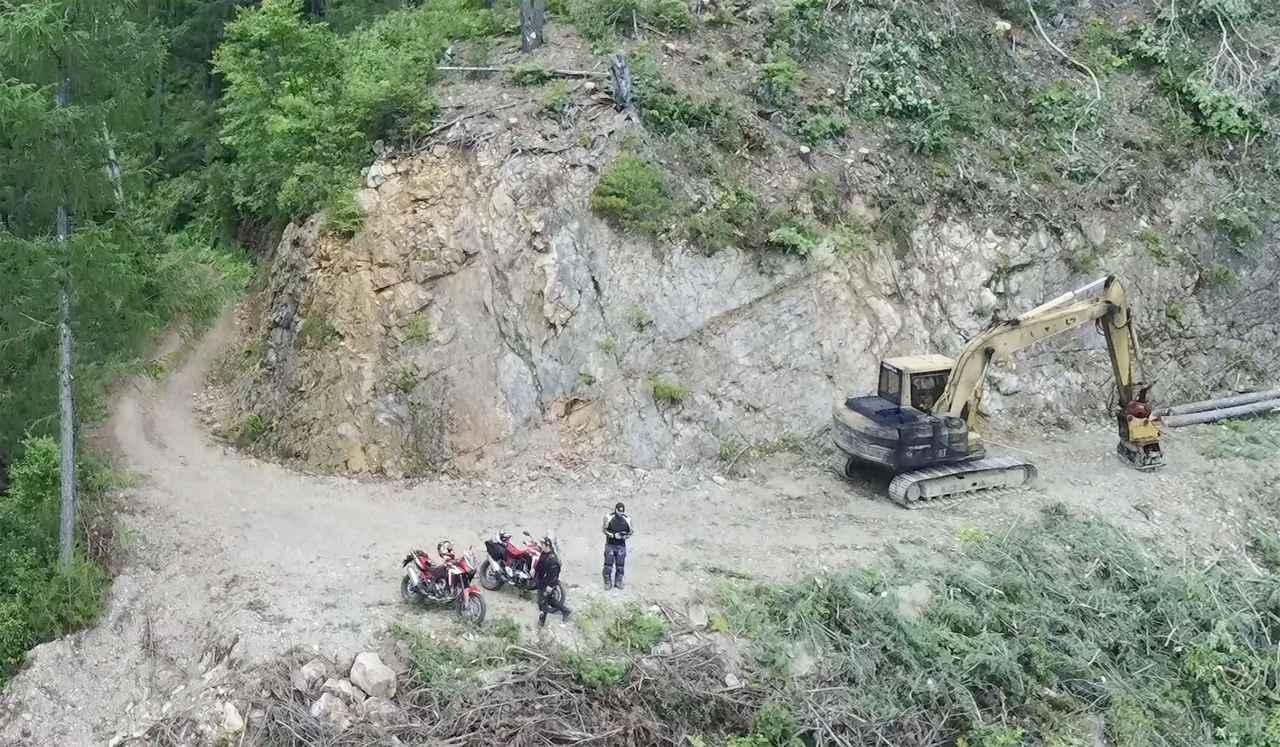 画像1: 管理する自治体によって林道の路面状況は大きく変わる
