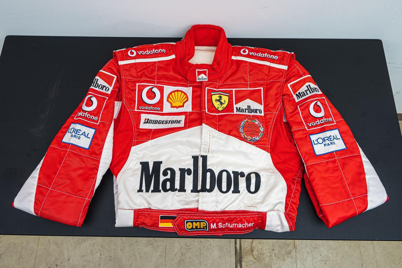 画像: ▲ミハエル・シューマッハ着用 2005 F1 ハンガリーGP レーシングスーツ