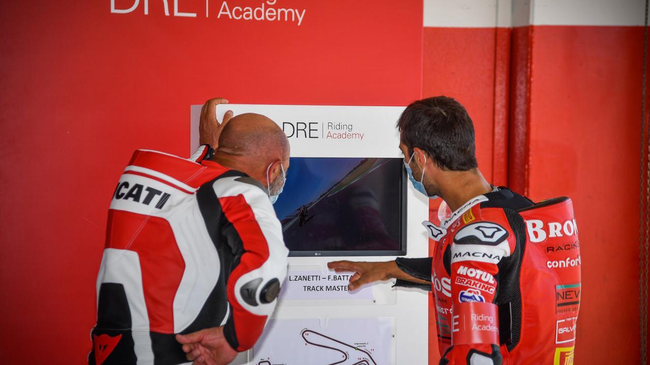 Images : 2番目の画像 - 【写真7枚】ドゥカティ「DRE レーストラック・アカデミー」 - webオートバイ