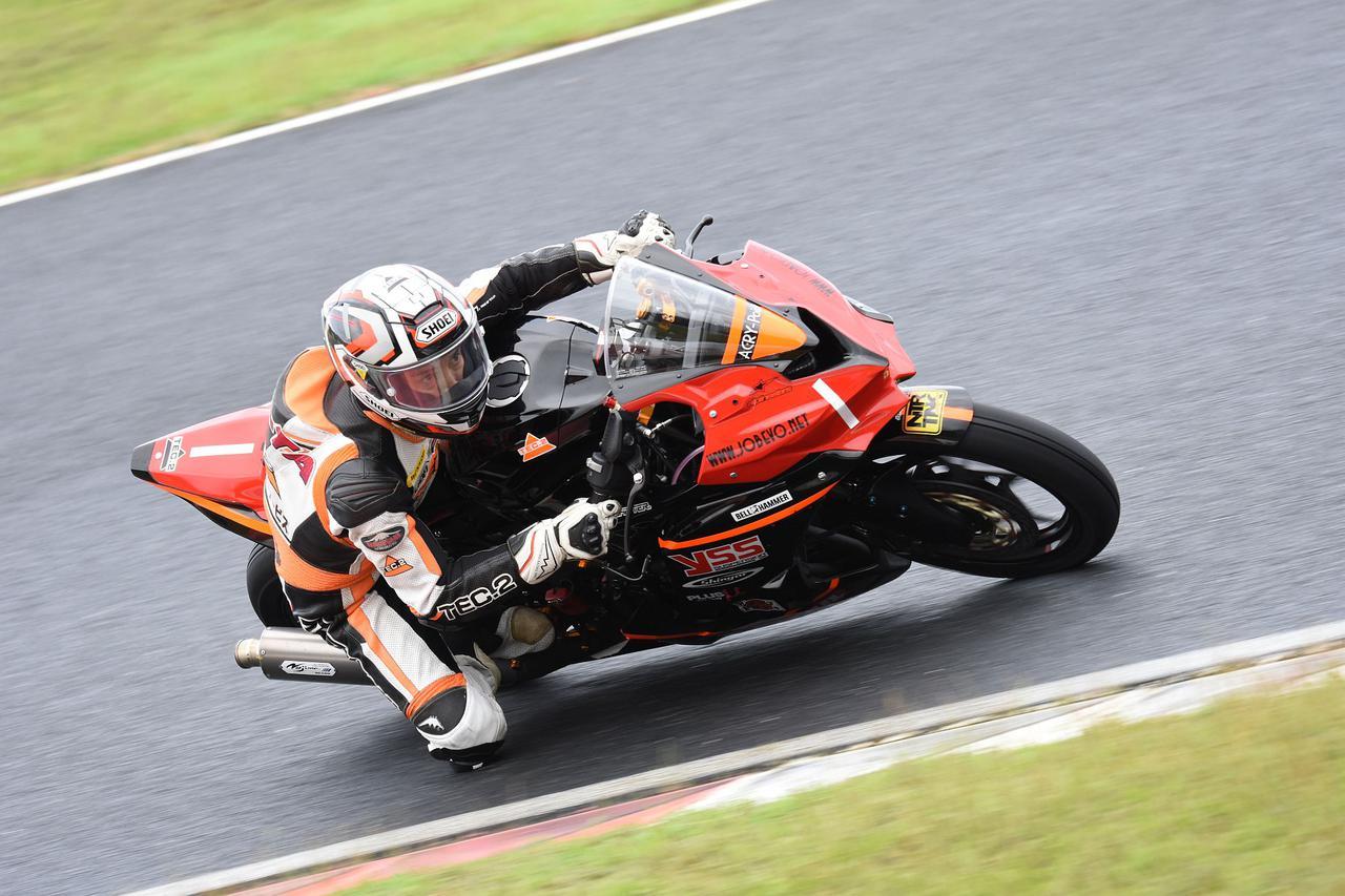 画像: 18~20年のV3チャンピオン笠井悠太 まさかのNinja ZX-25Rにマシンをスイッチしての復帰レース!
