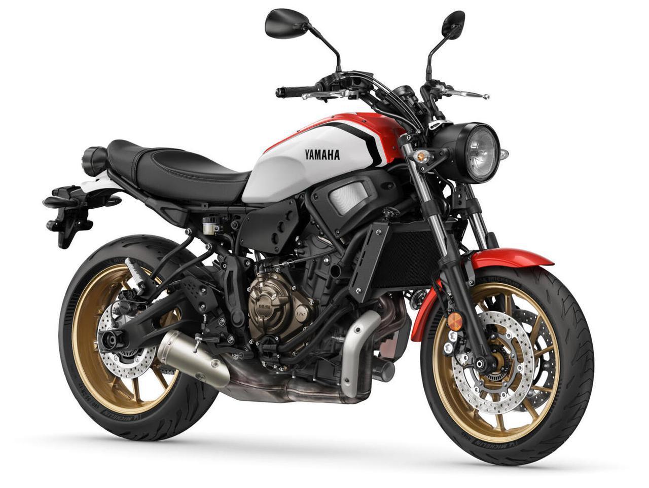 画像: YAMAHA XSR700 2022年モデル・海外仕様 総排気量:689cc エンジン形式:水冷4ストDOHC4バルブ並列2気筒 シート高:835mm 車両重量:186kg
