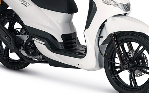 Images : 3番目の画像 - 【写真11枚】プジョーモトシクル「ツイート150 ABS スペシャルエディション」 - webオートバイ