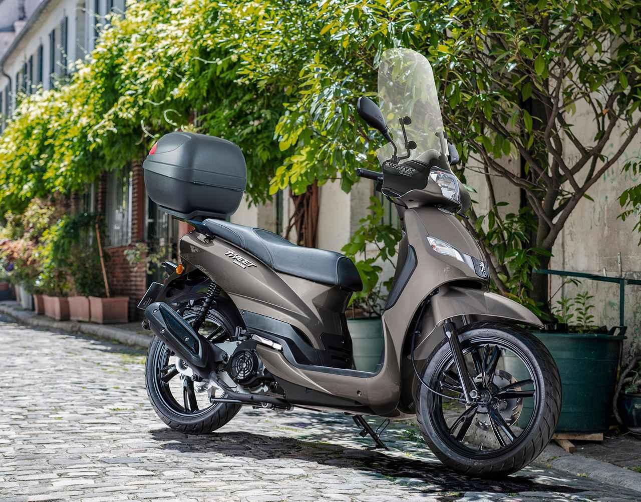 画像: これで20万円台!? トップケース&スクリーンも装備したプジョー「ツイート 150 ABS スペシャルエディション」 - webオートバイ