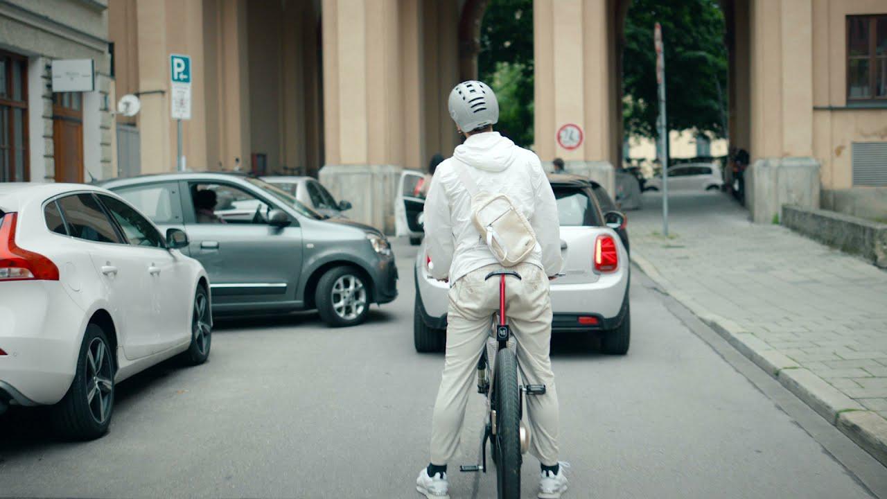 画像: 【公式動画】The BMW i Vision AMBY www.youtube.com