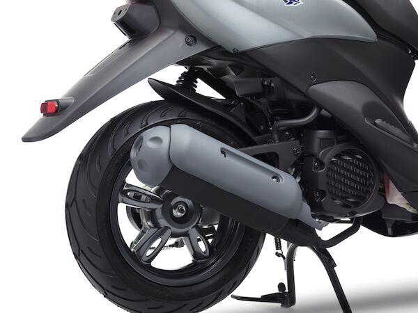 画像6: 日本ではホンダ製になったヤマハの50ccスクーター、海外ではいまも健在