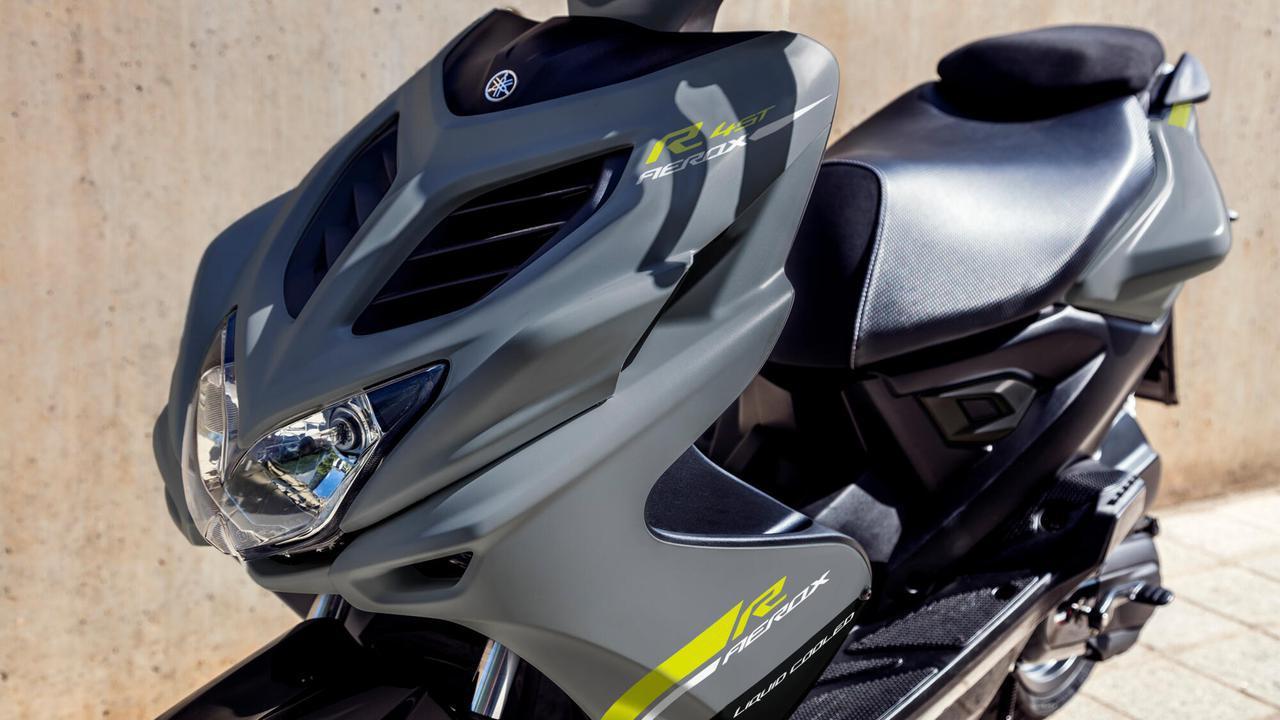 画像1: 日本ではホンダ製になったヤマハの50ccスクーター、海外ではいまも健在