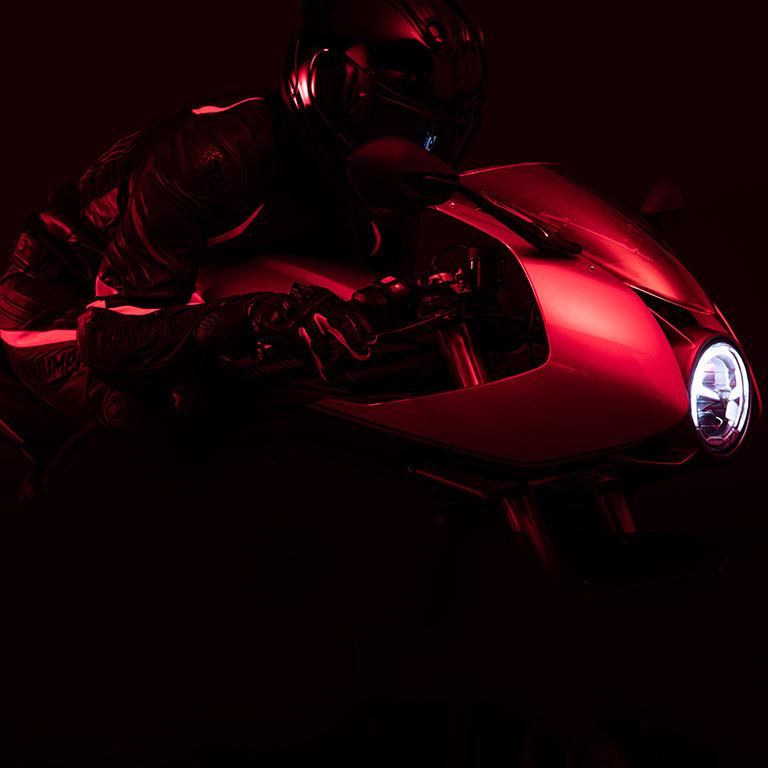 画像1: トライアンフ2022年モデル速報|「スピードトリプル1200RR」「タイガースポーツ660」新型「タイガー1200」にまずは注目