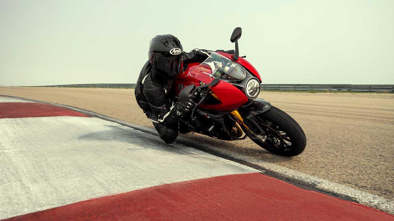 Images : 4番目の画像 - 【写真6枚】トライアンフ「スピードトリプル1200RR」 - webオートバイ