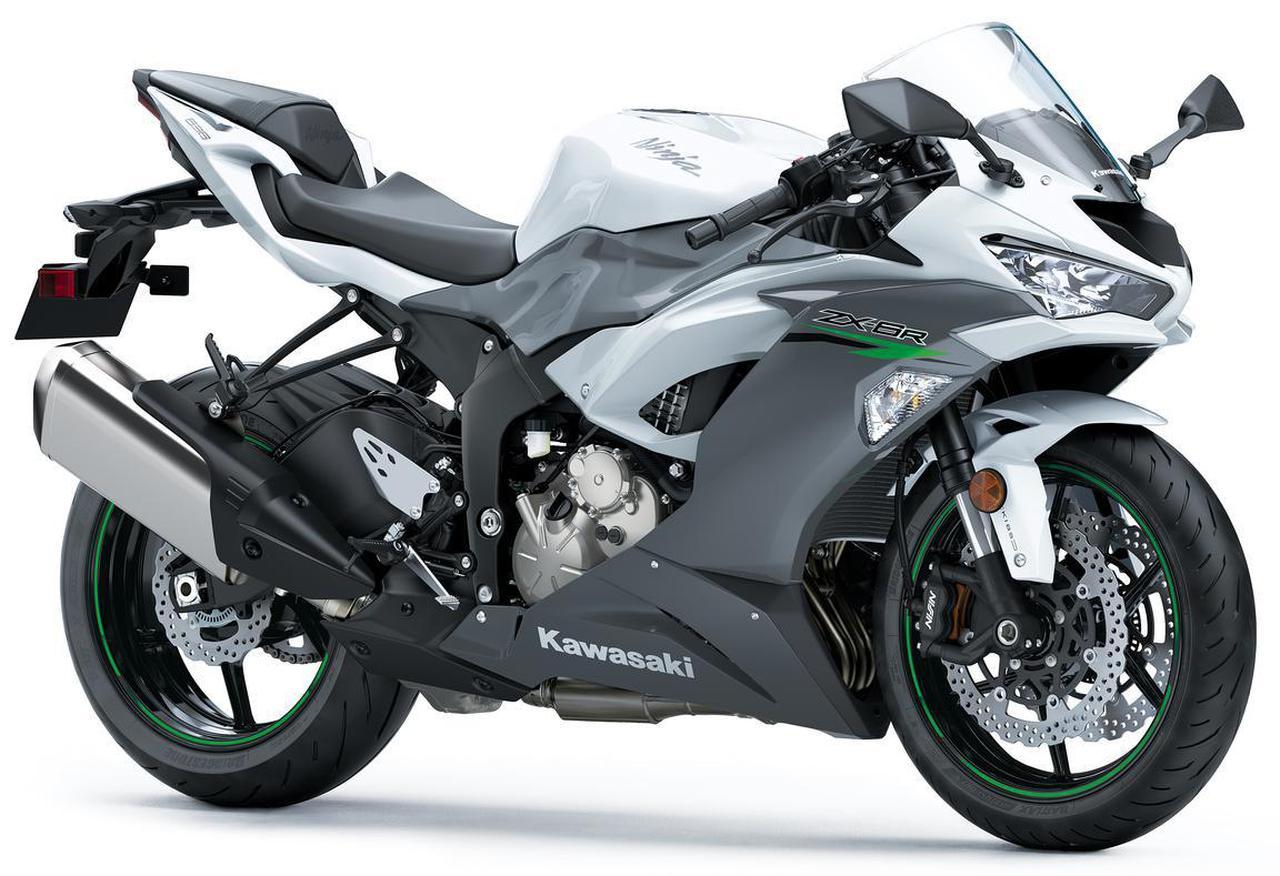 画像: Kawasaki Ninja ZX-6R 総排気量:636cc エンジン形式:水冷4ストDOHC4バルブ並列4気筒 シート高:830mm 車両重量:197kg 現行モデルの発売日:2020年8月1日 税込価格:135万3000円