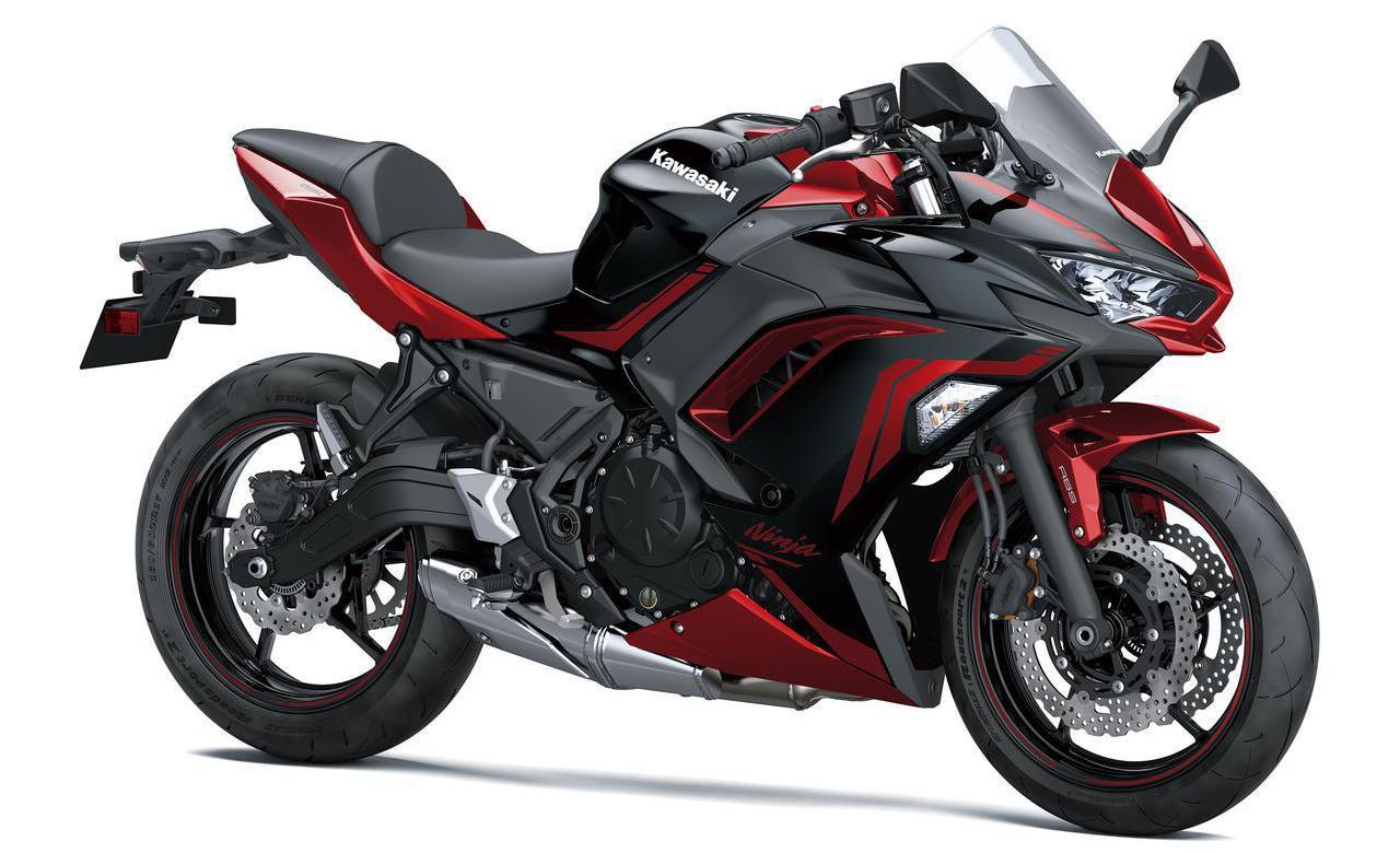 画像: Kawasaki Ninja 650 総排気量:649cc エンジン形式:水冷4ストDOHC4バルブ並列2気筒 シート高:790mm 車両重量:194kg 2021年モデルの発売日:2021年2月1日 税込価格:90万2000円