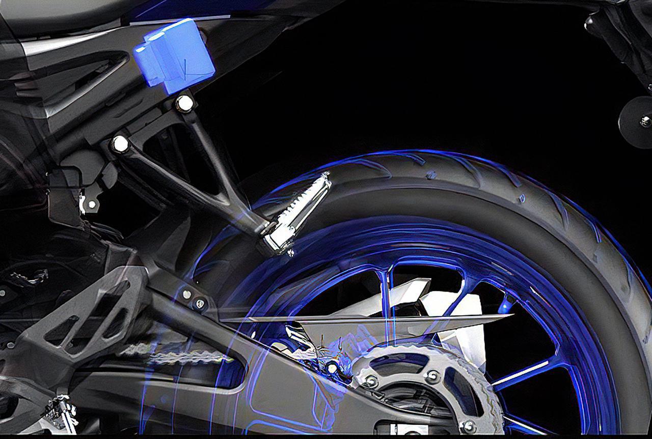 画像1: 上級モデルとして「YZF-R15M」を設定