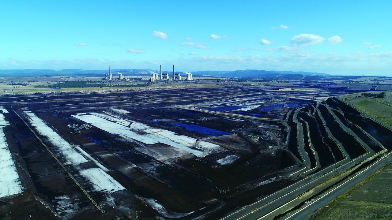 画像: オーストラリアの褐炭炭田の様子。写真提供:川崎重工