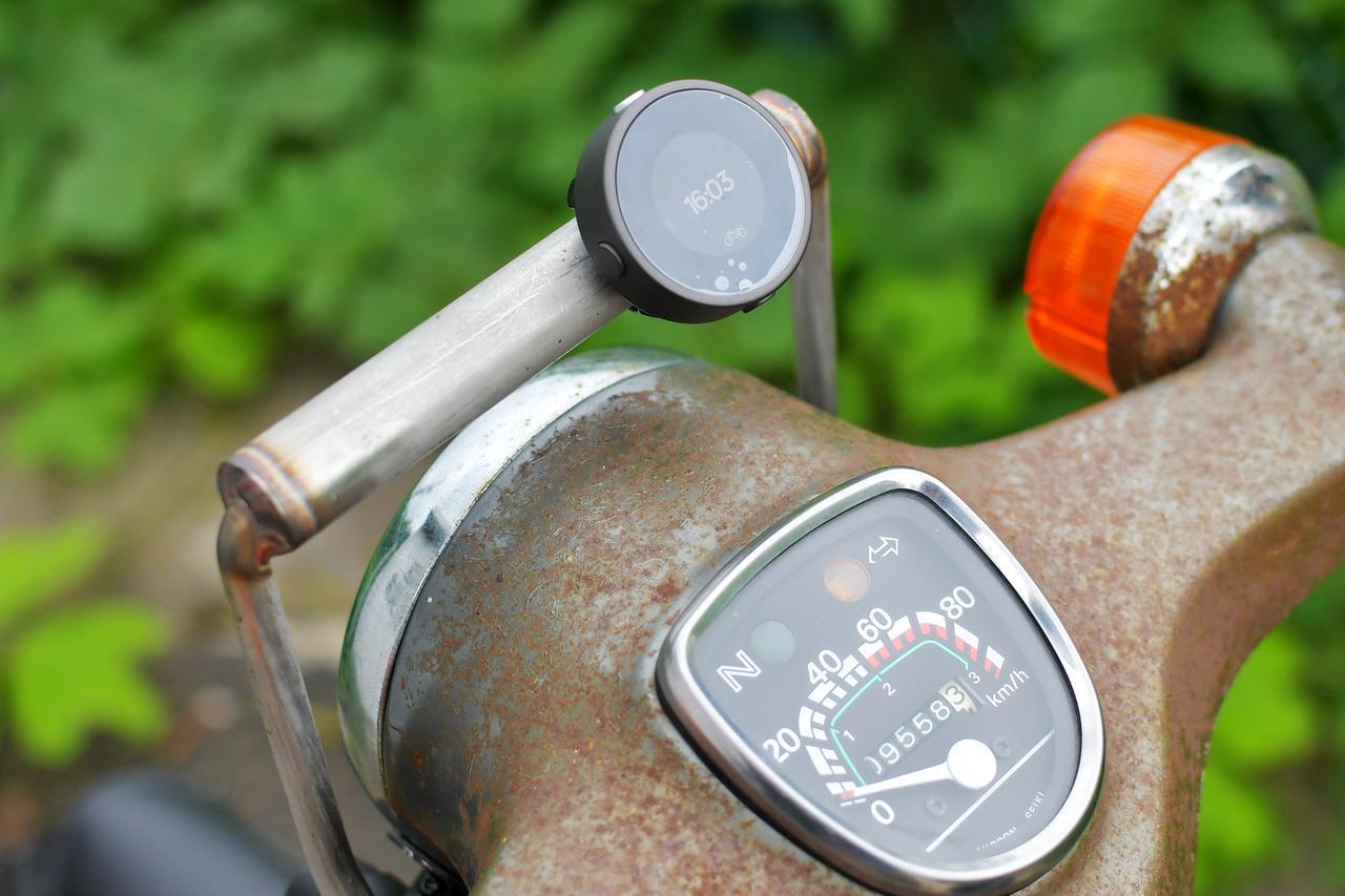 画像: 究極のミニマムナビガジェット「Bee Line Moto」は、必要十分にして最強のバイクナビなのだ。 - webオートバイ