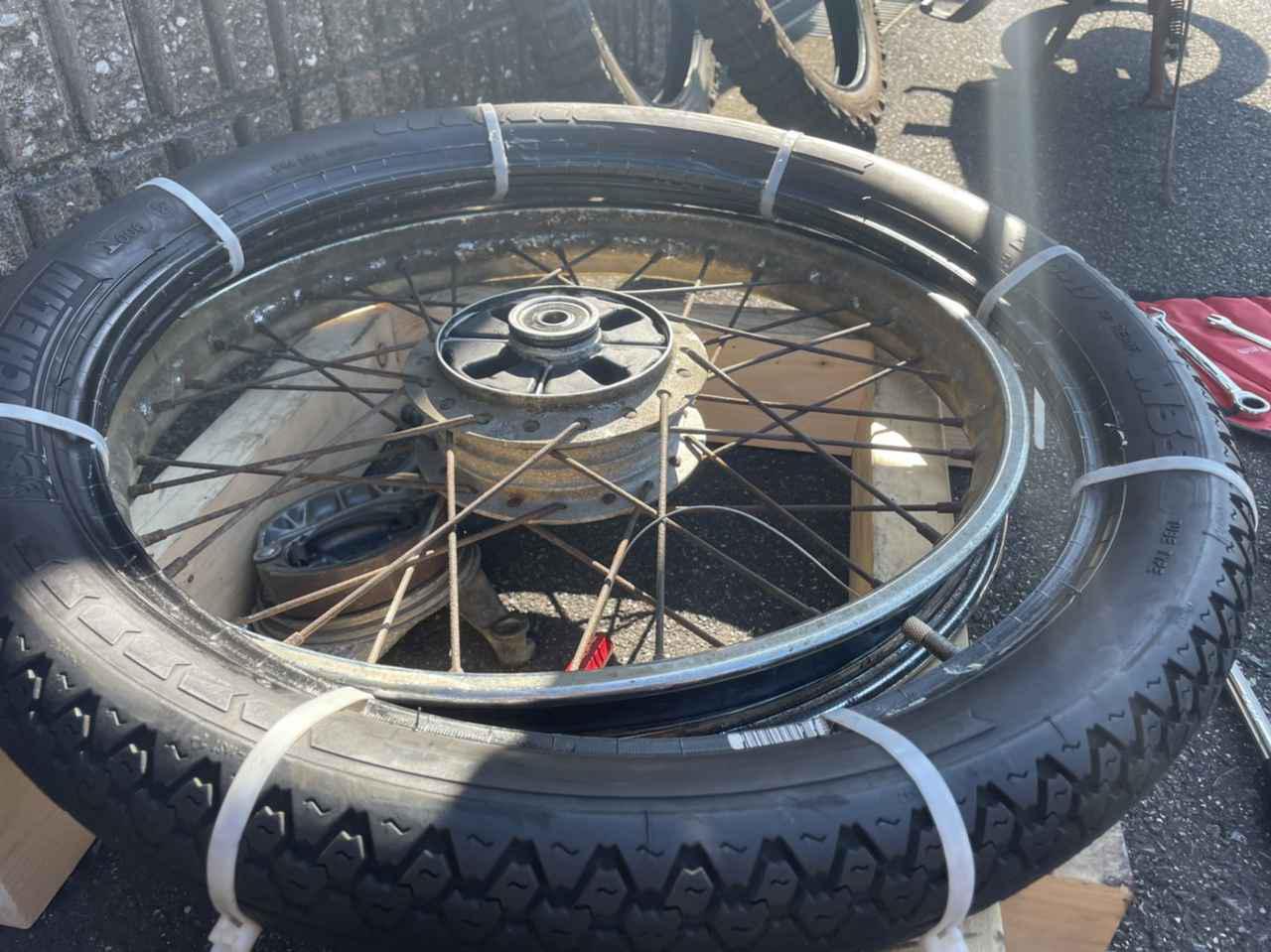 画像2: タイヤのスリップサインも点検してね