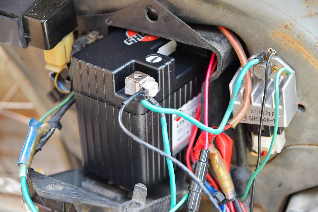 画像: バッテリーのチェック