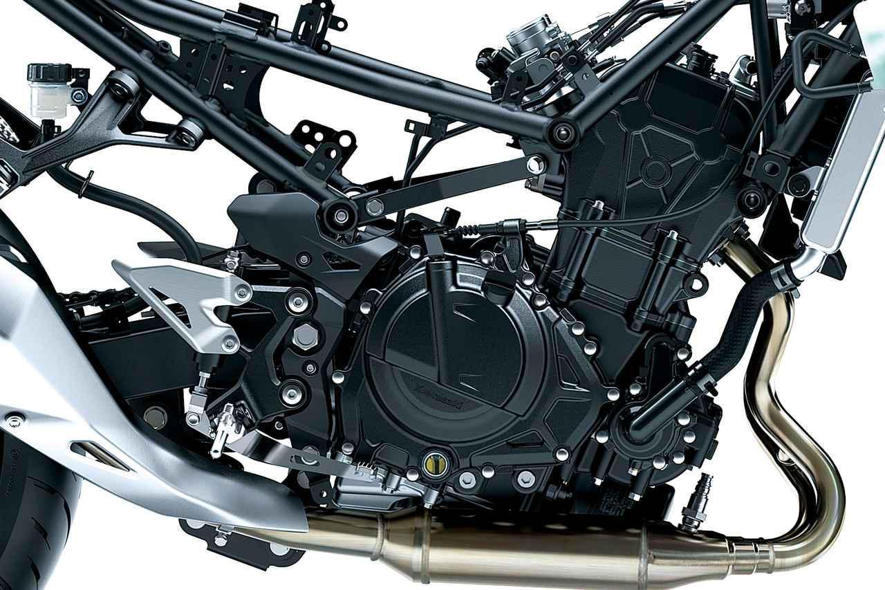 画像: 398ccのDOHCツインはトルクにも余裕があり、パワーも48PSを発揮。これを250と同様のスチールトレリスフレームに搭載する。
