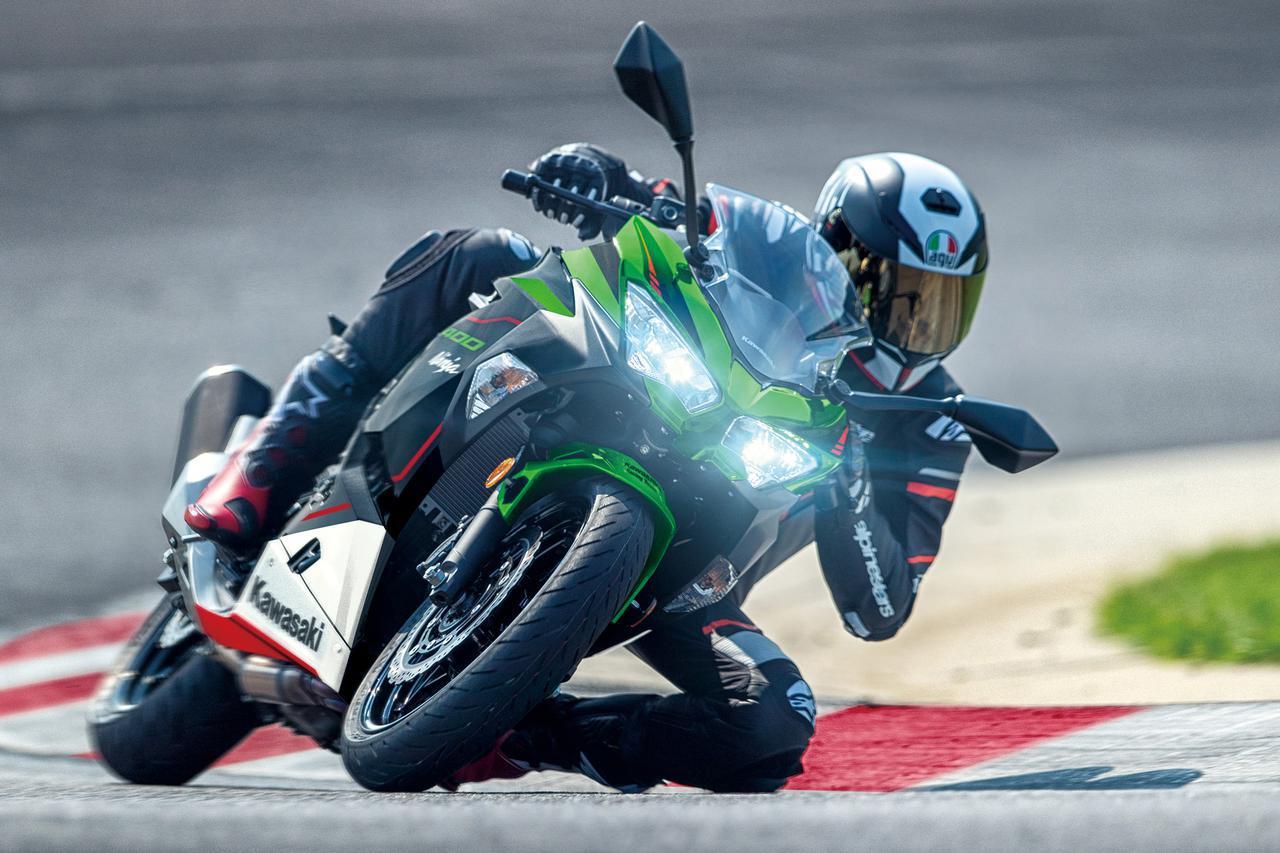 画像: Kawasaki Ninja 400 / KRT EDITION ●水冷4ストDOHC4バルブ並列2気筒●398cc●48PS/10000rpm●3.9kg-m/8000rpm●167kg●785mm●14L●110/70R17・150/60R17 税込価格:72万6000円